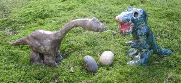 Brontosaurus_und_Tyrannosaurus_von_Matthes_9